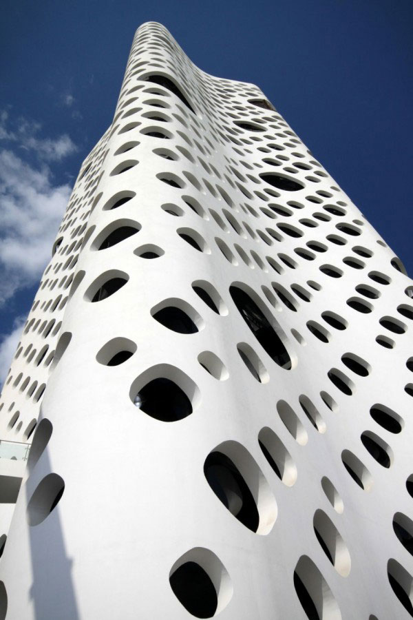 O14_Tower_Dubai_Office_Building-cheese_tower