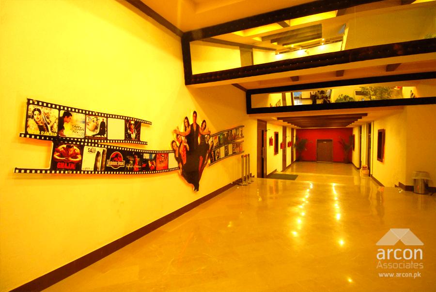 cine_star_cinema_lahore_main_corridor